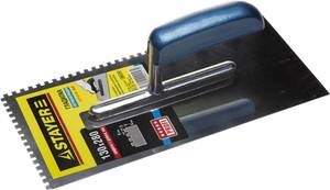 Гладилка штукатурная зубчатая нержавеющая с деревянной ручкой STAYER Profi 130х280 мм 4х4 мм